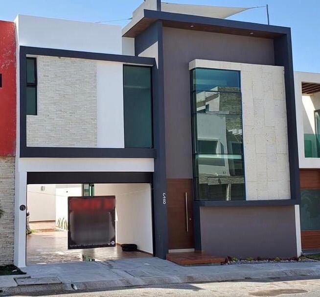 Casa Con Alberca En Venta En El Fraccionamiento Lomas Residencial